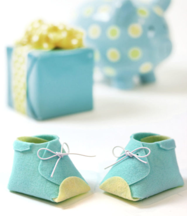 Kunin and Sizzix Heartfelt Project Tutorials: Felt Baby Booties by Jonathan Fong